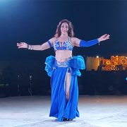 belly-dance-dubai-desert-safari